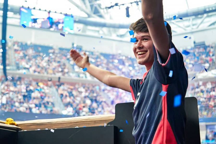 Fortnite WC Winner Bugha Looking For A New FCS Squad After Streaming Debate